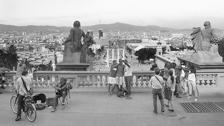 "As He Played ""Hotel California,"" Barcelona, Cataluña"